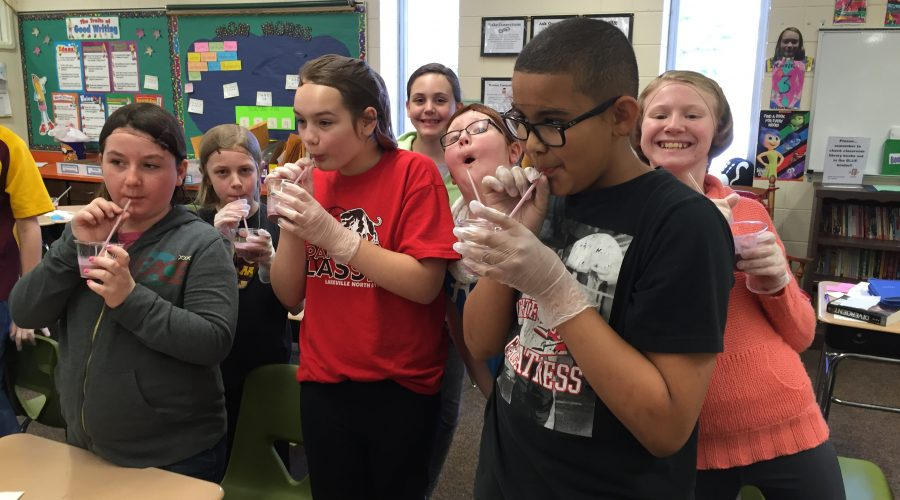 Students sampling smoothies